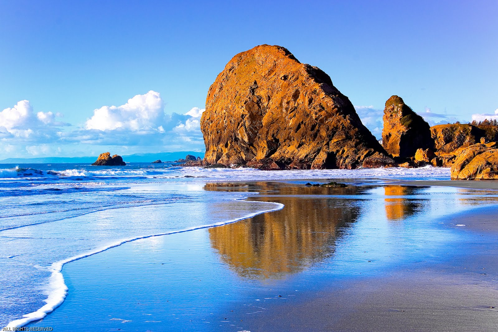 Praia Easter Egg